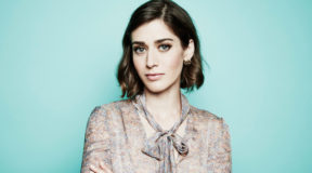 Lizzy Caplan in talks for 'Gambit' Role